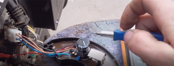 El AVR y su función: cómo regular el voltaje de un generador.